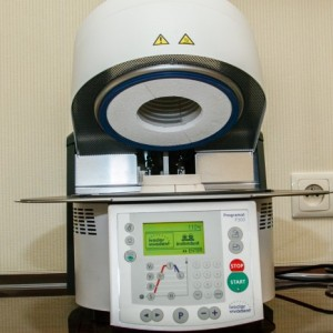 Furnace for all-ceramic crowns